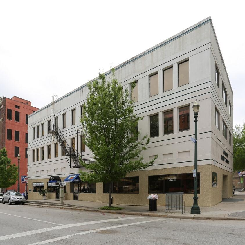 Downtown Retail / Office sold in Houston